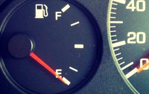 ガス 欠 車